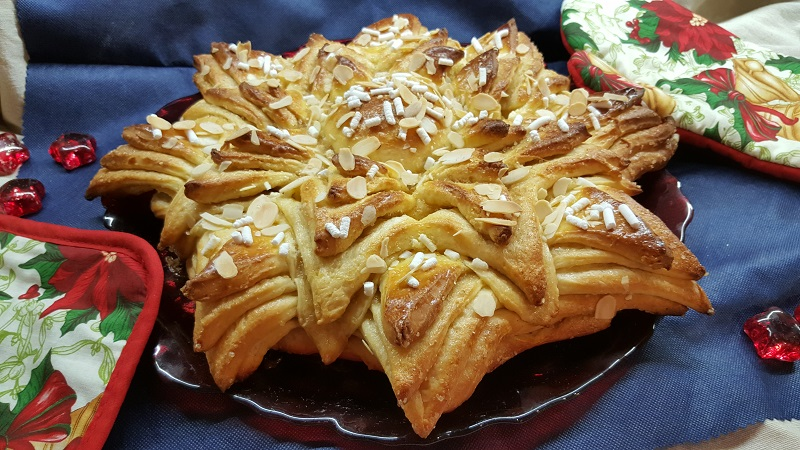 Torta Salata Stella Di Natale.Stella Di Natale Di Pan Brioche Con Zucchero E Cannella Impastando