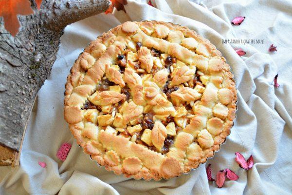 crostata strudel con mele, uvetta, pinoli, confettura di albicocche