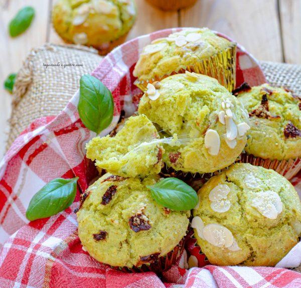 muffin salati al pesto e pomodori secchi