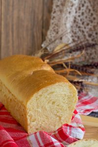 pan bauletto con farina di semola rimacinata e lievito madre