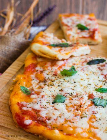 pizza in teglia a lunga lievitazione con lievito madre