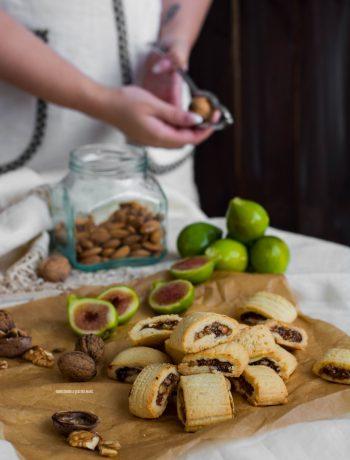 biscotti ripieni con fichi freschi e frutta secca