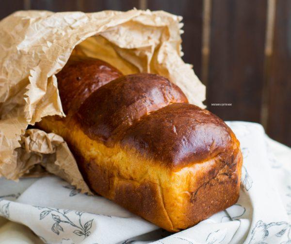pan brioche al cioccolato bianco e zafferano