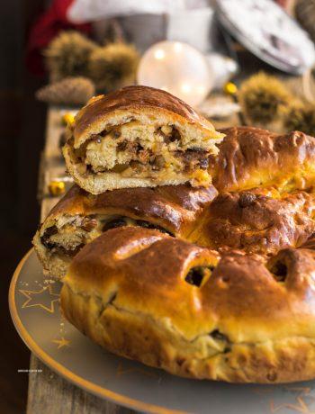 pan brioche di natale con uvetta, arancia candita, mele, cannella, amaretti, mandorle