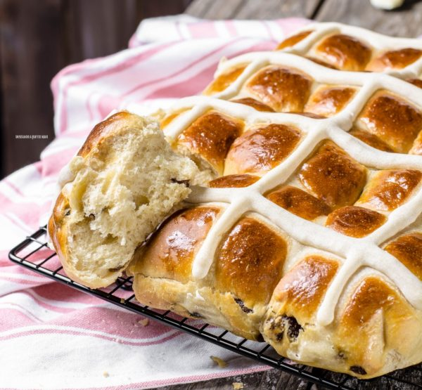hot cross buns di pasqua