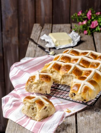 hot cross buns, panini speziati di Pasqua