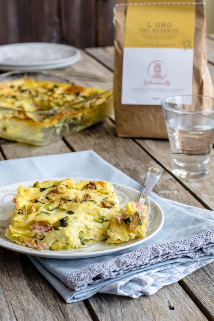 lasagne con besciamella allo zafferano e zucchine