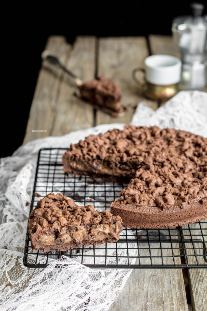 sbriciolata al cacao con crema al cioccolato al latte