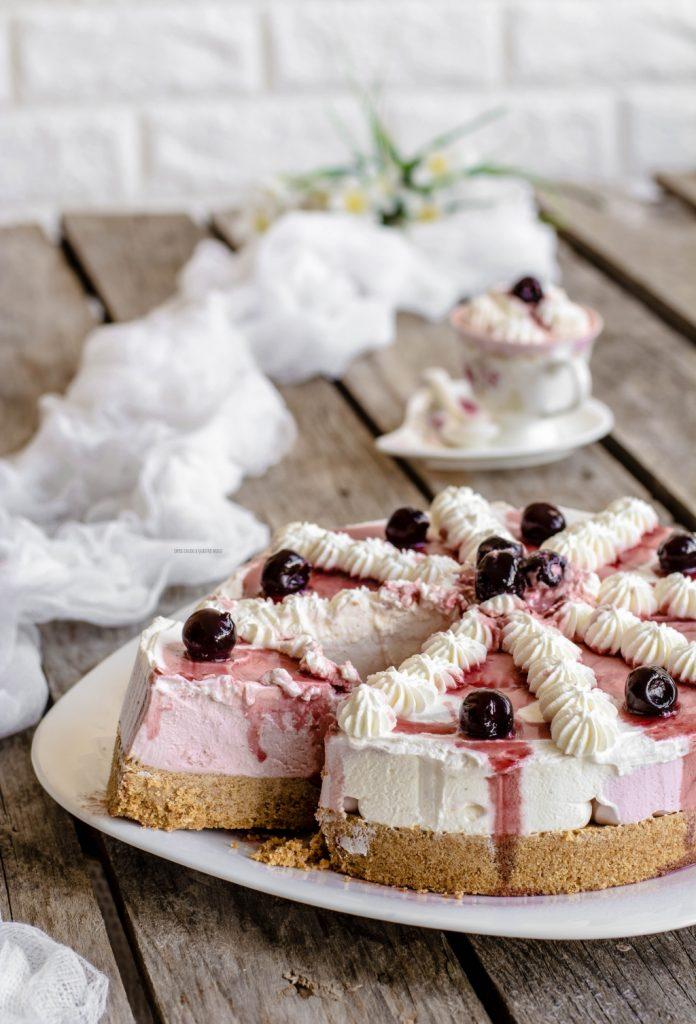 torta cornetto all'amarena