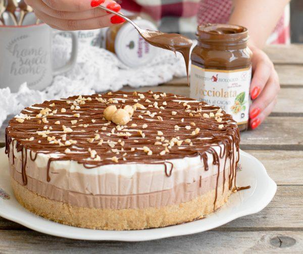cheesecake a strati alla nocciolata senza cottura