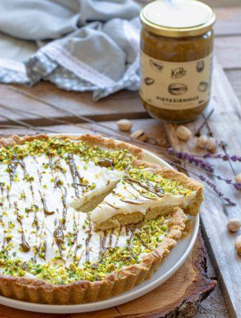 crostata al pistacchio con crema al latte