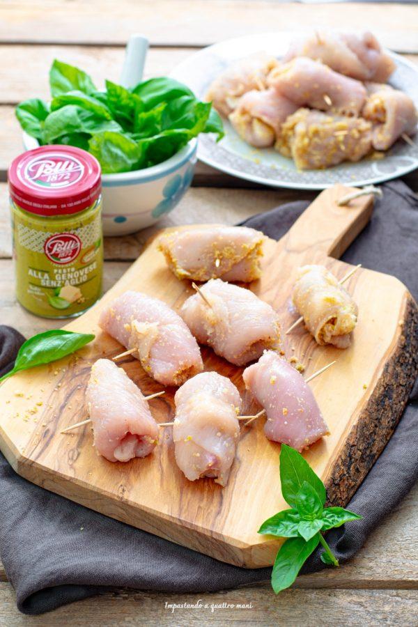 preparazioneinvoltini di pollo mantecati in crema di pesto
